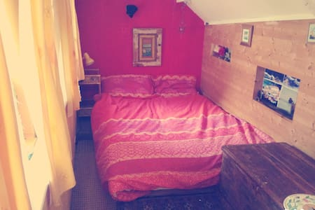 Sweet loft room with double bed. - House