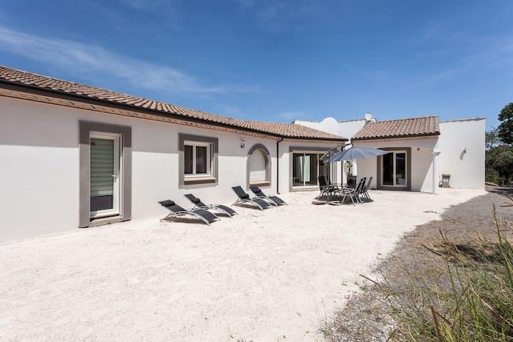 Maison d'architecte au calme,10pers - Saint-Thibéry - Haus