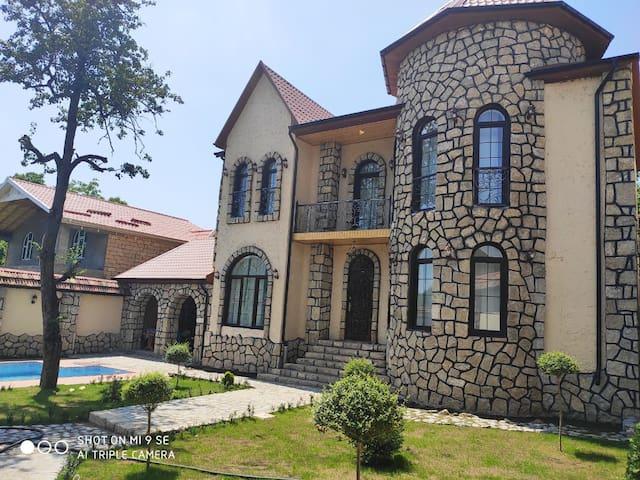 Qiz qalası villa
