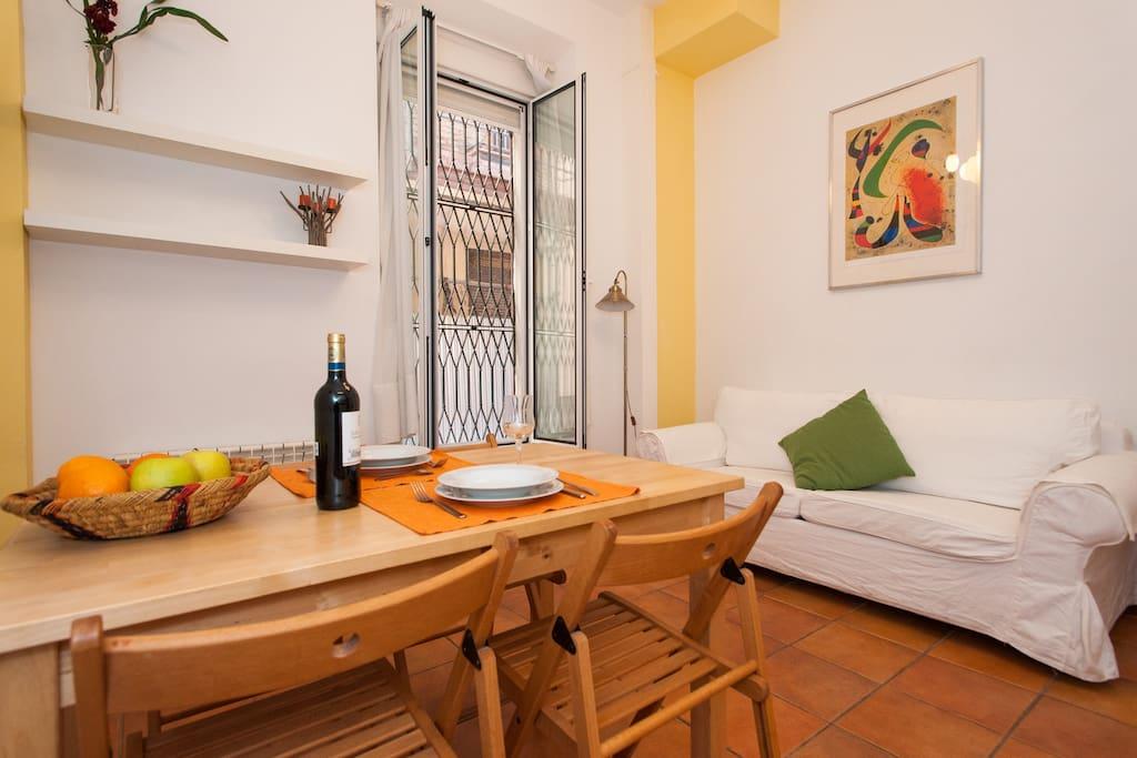 Apartamento en centro hist rico b apartamentos en for Alquiler apartamentos sevilla espana