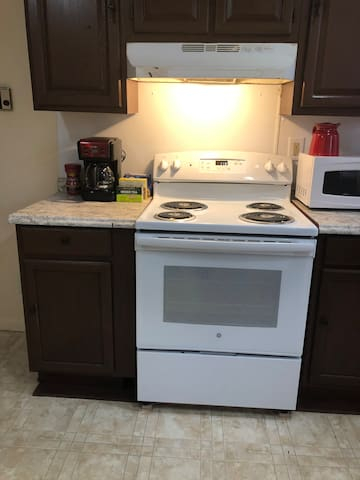 D and  A unique space clean neat discounted Airbnb