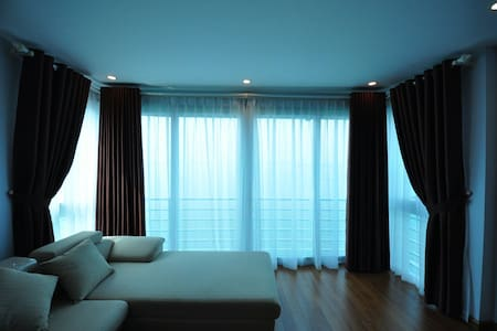 Cozy apartment with great lake view - Hanoi
