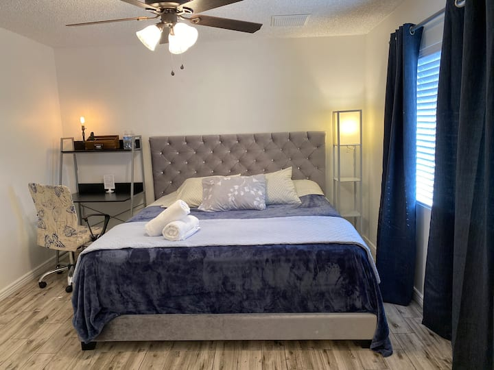 Master Room-ASU-South Mountain-Airport-Free Brkft