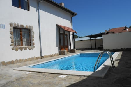 Private villa with pool Nr Nessabar/SunnyBeach - Kableshkovo