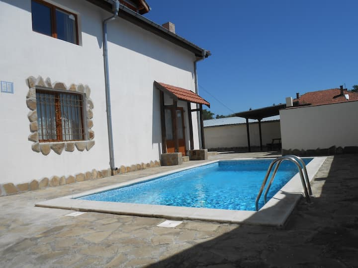 Private villa with pool Nr Nessabar/SunnyBeach