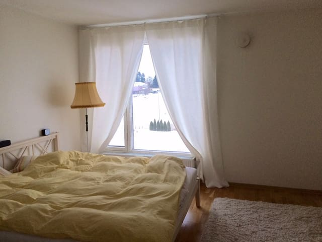 Quiet apartment near Tallinn - Peetri - Apartamento