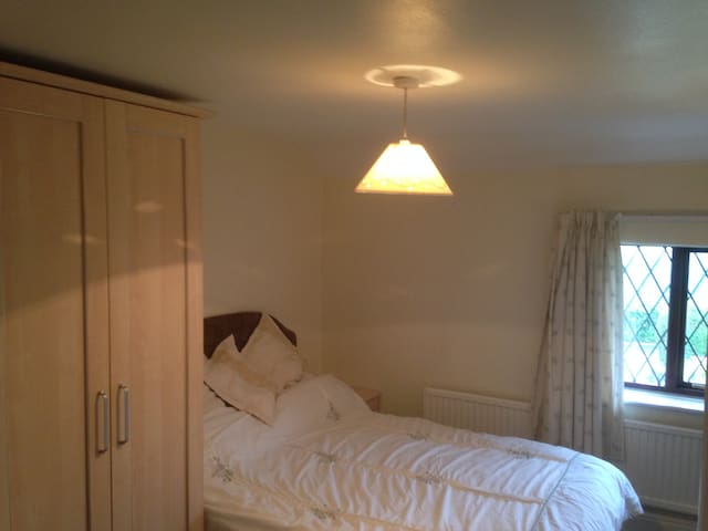 small double room in rural location - Ormskirk - Huis