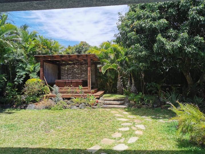 Villa 3 chambres dans jardin tropical + jacuzzi