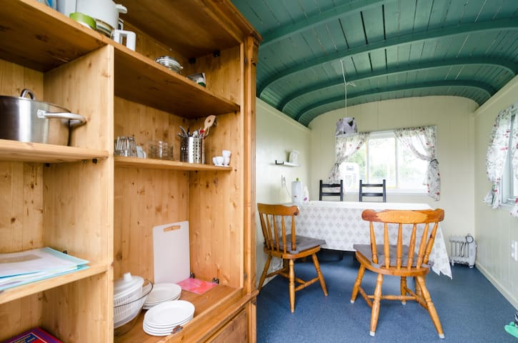 Your double apartment on wheels