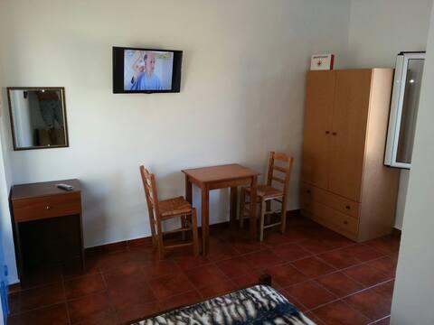 VINTAGE HOUSE-VORI-RENT-ROOMS II