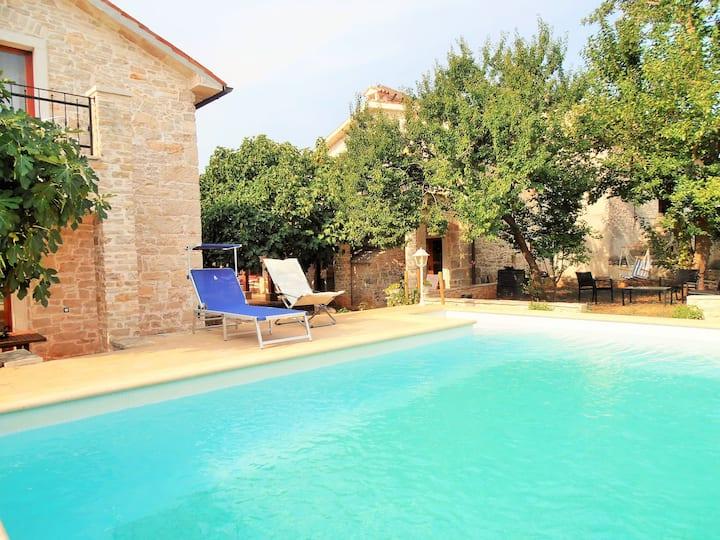 Villa dei Nar, Peruski - 2 stone houses with pool