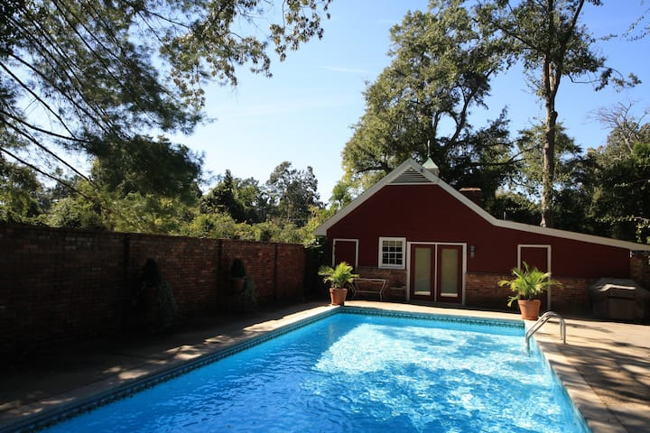Pool House on South Boundary