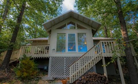 Twin Peaks - 2 BR Luxury Lakeview Cabin