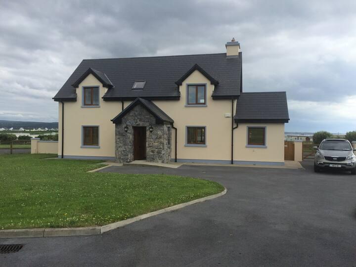 Luxurious seaside home