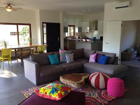 Stunning Apartment 'G1', Groundfloor, BBQ, Wi-Fi