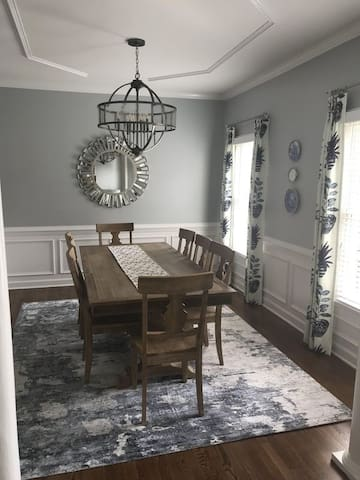 Newly Renovated 3BD 2.5BA next to Tanglewood Park