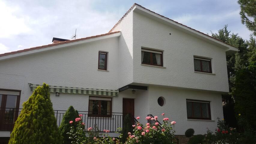 Casa rural Deo Gratias en Robledo de Chavela - La Estación - Dom
