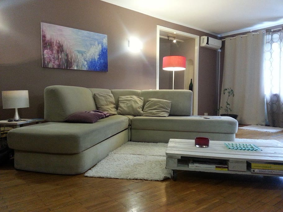 Huge livingroom 35m. Best apartment 87sq.m. of supercomfort area. real wooden floor& high quality furniture  exclusive planing of the space