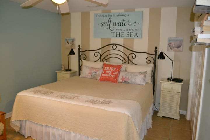 Heart of IOP, dog friendly, WiFi - Isle of Palms - Daire