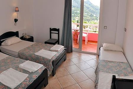 Seaview room,sharedpool, Breakfast, Free Pick up - Agios Gordios