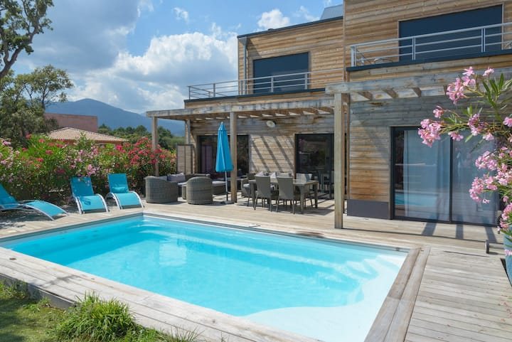 Luxurious villa in southern Corsica