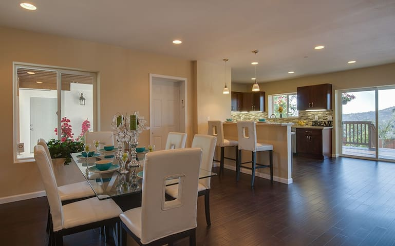 LUXURYESTATE 14 BED-DOWNTOWN CLOSE! - San Diego - Huis