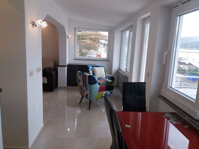 Apartment Marin No2 ,-10m from the sea - Arbanija - Apartment