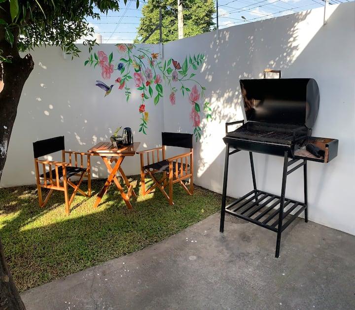Departamento, tranquilo ,buen ambiente, con patio