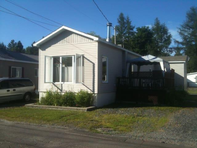 Maison mobile au pied Mont-Habitant - Saint-Sauveur - Ev
