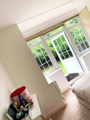 Beautiful Garden View and Own Parking Space 2 Bed