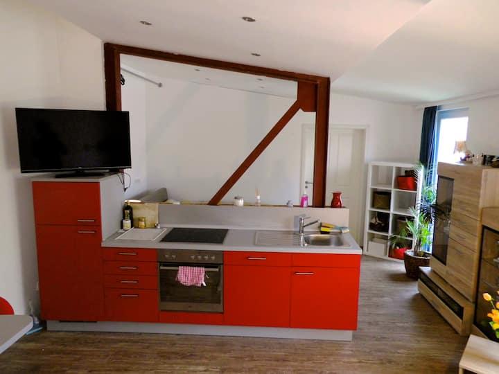 Schöne, helle Loft-Wohnung im Dachgeschoss +Balkon