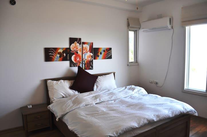 Bed room twine bed