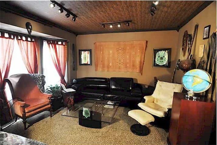 Luxury Hostel Near Interstate 90, Downtown, Case - Cleveland - Inny
