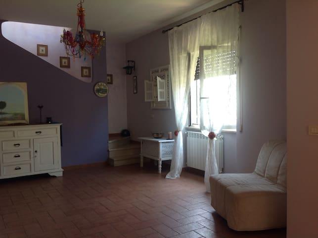 APPARTAMENTO INDIPENDENTE IN VILLA - Castel Fusano - Infernetto ( Roma ) - Villa