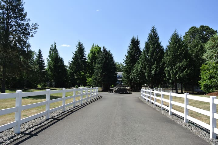Luxury home w/upscale amenities - Roseburg - Haus