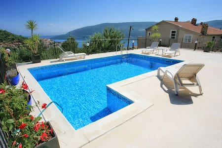 villa22 sea view room with pool and big terace - Herceg Novi