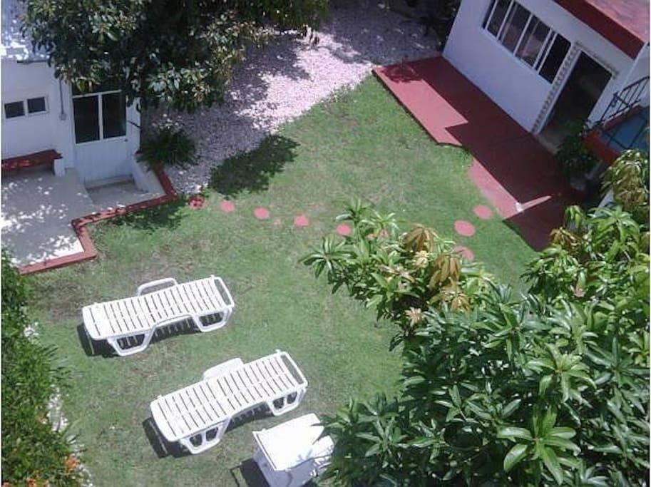 Amplio Jardin para Disfrutar en la mejor zona de cuernavaca Vacaciona en la Ciudad de la Eterna Primavera!!