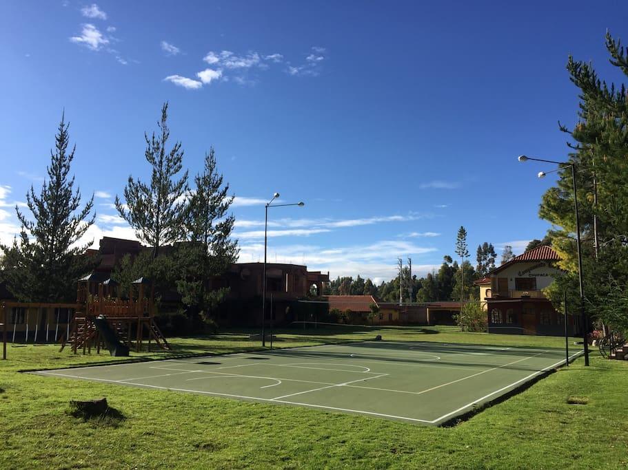 Área deportiva del Campamento La Perla
