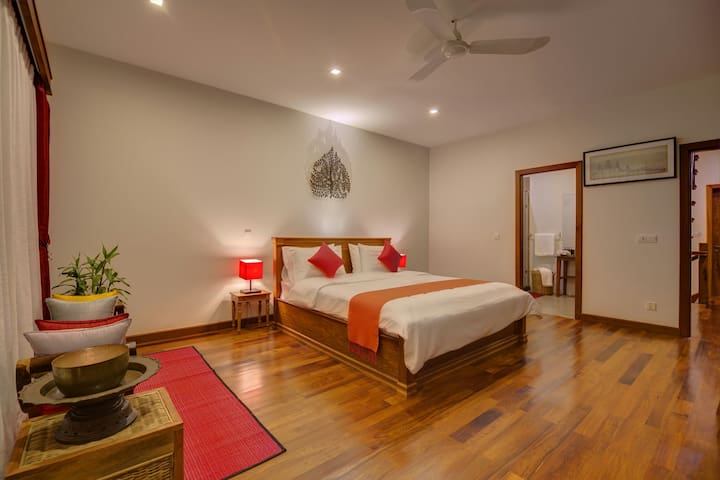 Red Room & 3 Day Adventure Tours - Krong Siem Reap - บ้าน
