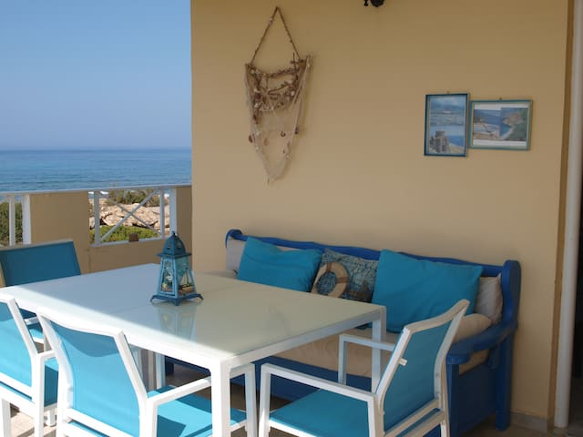Sea and Sun - a house by the sea in Frangokastello - Frangokastello - Apartamento