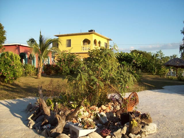 Ashanti Village - Saint Elizabeth Parish - Villa
