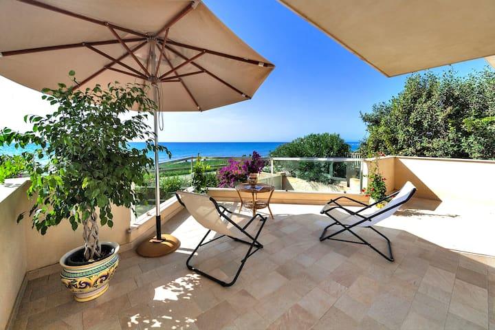 Villa Cala Cuticchi. Sea Front. wifi