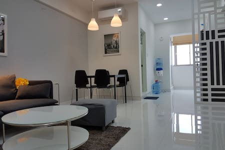 2BR APARTMENT WITH BEAUTIFUL VIEW- CENTRE LOCATION - Ho Chi Minh - Huoneisto