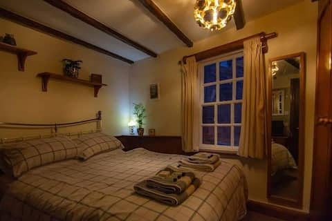 2Lovely apartment in the heart of Robin Hood's bay