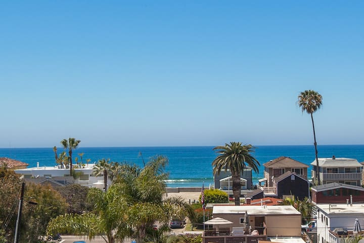 Seas the Day - 2 Bedroom, 2 Bath Sleeps 5 - Del Mar