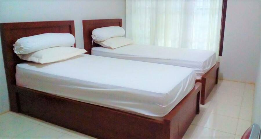 Fancy Affordable Room @Wisma Syafari - Kota Banda Aceh - Casa