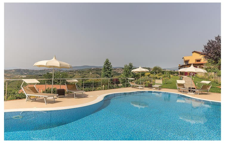 Holiday cottage with 2 bedrooms on 60 m² in Laureana Cilento (SA)