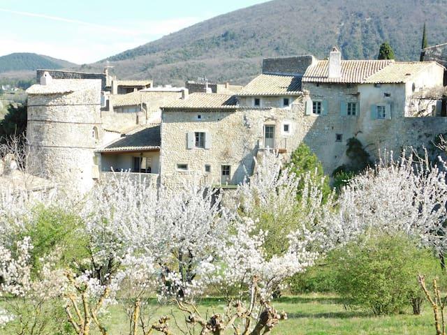 La Maison Jules Goux, classé trois étoiles - Mirmande - Townhouse
