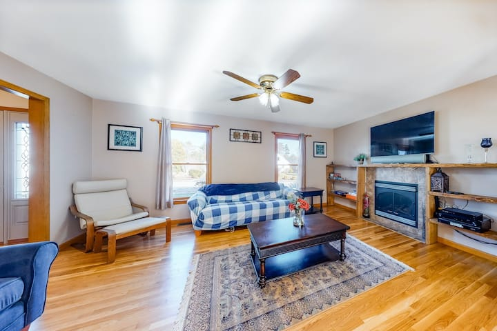 Dog-Friendly Home w/ Central A/C, Free WiFi, Washer/Dryer, & a Private Hot Tub