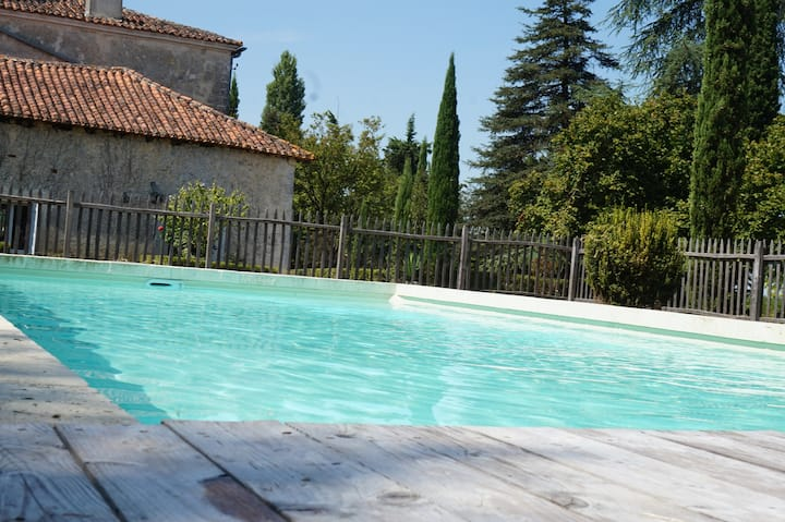 Charming villa with pool in the Dordogne